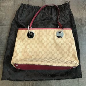 Gucci handbag with dustcover